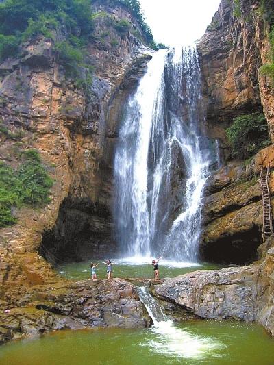 3,豫西大峡谷   豫西大峡谷风景区,位于豫,秦,晋三省结合部的